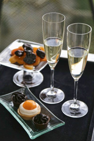 The Y Hotel - Glass of champagne